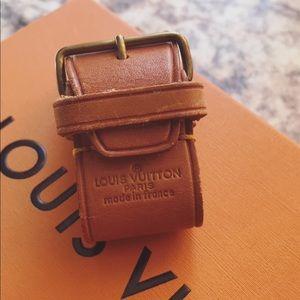 LOUIS VUITTON Poignet buckle handle holder